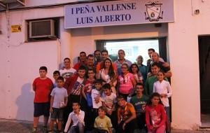 El Alcalde, Antonio García, asiste a la inauguración de la I Peña Vallense Luis Alberto.
