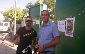 Antonio García y María Gutierrez visitan las instalaciones deportivas del Campo de Fútbol.