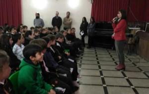 Vanesa Pérez Concejala de Juventud e Igualdad visita el colegio Salesiano para explicar el significado de La Constitución Española