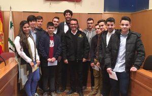 """Entregas las BECAS """"Torresol Energy"""" y Premios extraordinarios de Bachillerato a 11 jóvenes estudiantes vallenses."""
