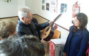 El Coro de Mayores Activos  cuenta con nuevos instrumentos.