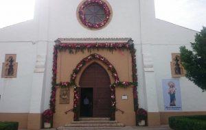 El Ayuntamiento engalana nuestro pueblo para las fiestas de la Patrona, María Auxiliadora.