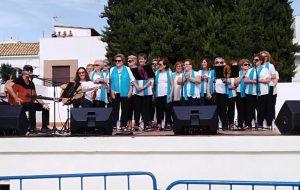 Visita a la Feria 'Alcalá solidaria 18' de nuestro Mayores Activ@s.