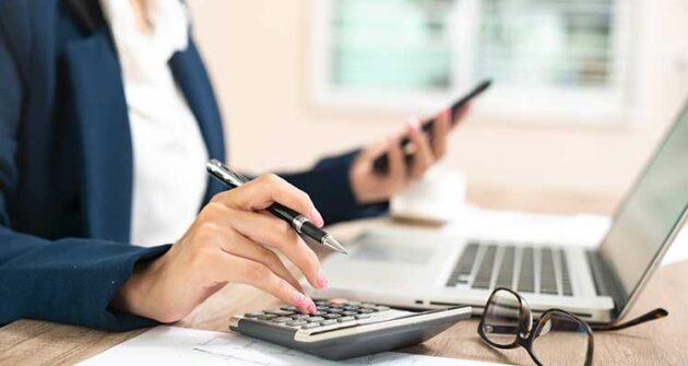 Anuncio de las Bases y Convocatoria para la contratación temporal de un puesto de Auxiliar Administrativo
